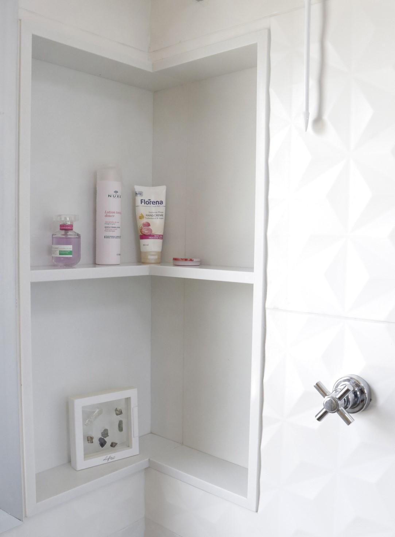 nicho box banheiro branco